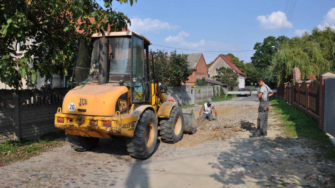 Trwa remont drogi w Radoszynie