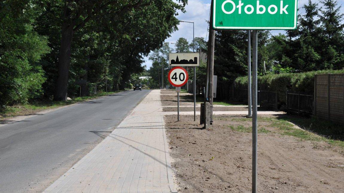 II etap budowy chodnika w Ołoboku zakończony