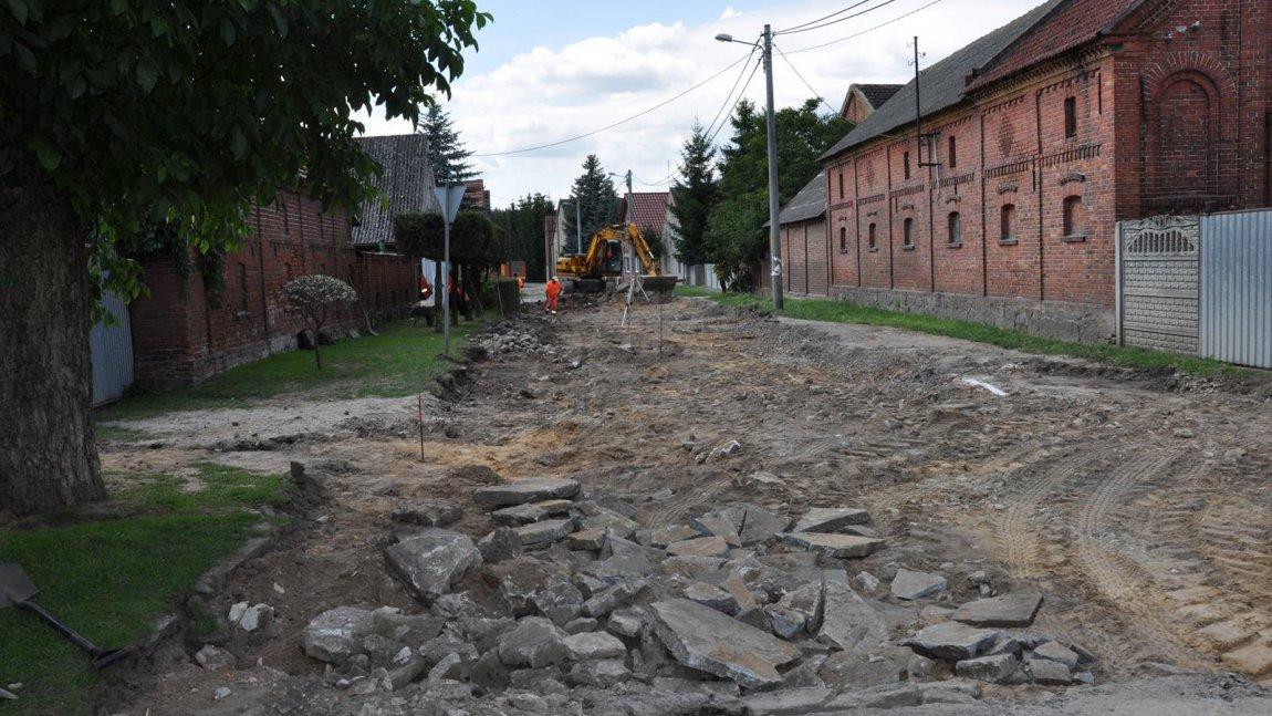 Trwa przebudowa ulicy Chrobrego w Ołoboku