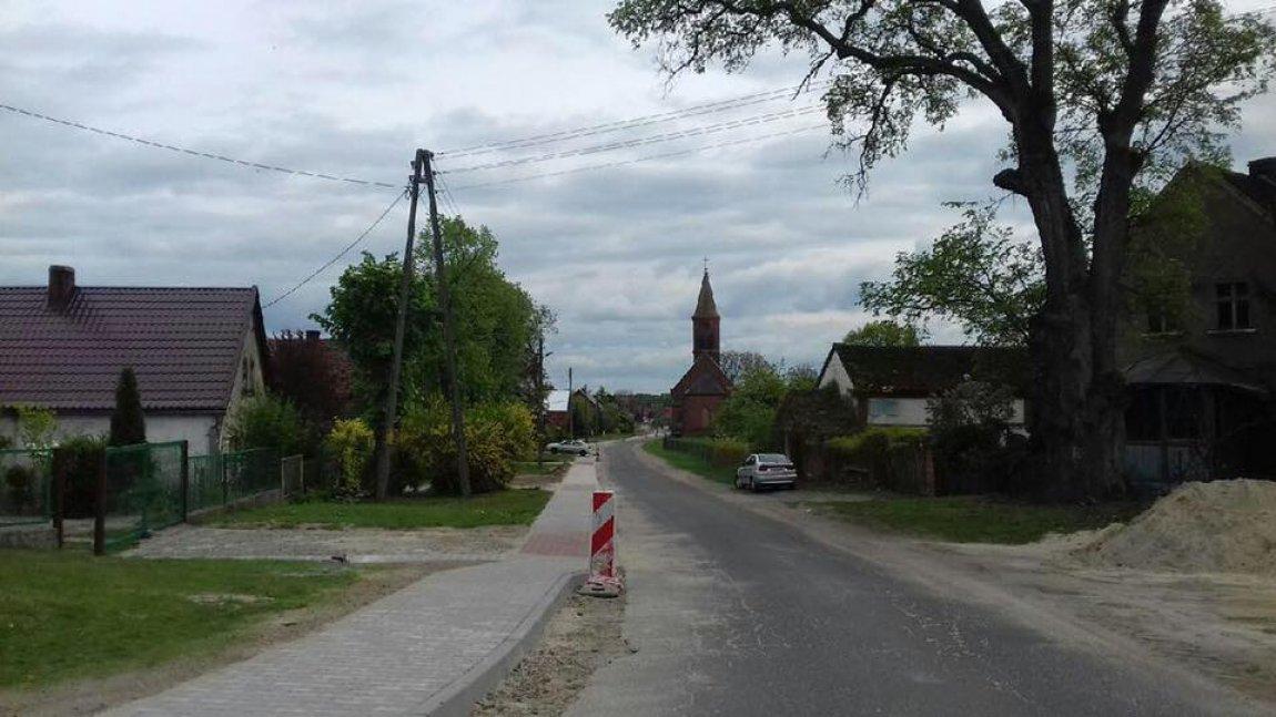 Nowy chodnik w Węgrzynicach